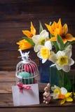 предпосылка покрасила вектор тюльпана формы пасхальныхя eps8 красный Стоковое Фото