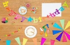 Предпосылка приглашения вечеринки по случаю дня рождения с космосом экземпляра Стоковое фото RF