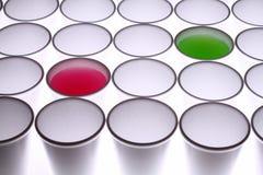 предпосылка придает форму чашки устранимое Стоковые Фотографии RF