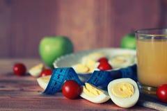 Предпосылка плодоовощ завтрака яичка деревянная Стоковые Изображения RF