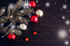 Предпосылка рождества с красным цветом и украшением золота Стоковое фото RF