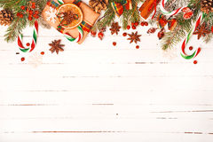 Предпосылка рождества с праздничными украшениями Стоковые Фото