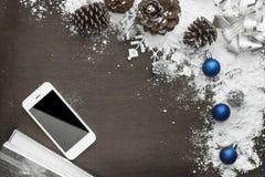 Предпосылка рождества цифров с мобильным телефоном Стоковые Изображения RF