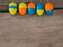 Предпосылка сезона Selfmade покрашенного †пасхальных яя « стоковое изображение
