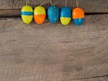 Предпосылка сезона Selfmade покрашенного †пасхальных яя « стоковое фото rf