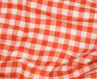 Предпосылка скатерти красная и белая checkered волнистая текстуры Стоковая Фотография RF