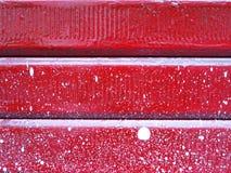 Предпосылка старой красной двери металла Стоковые Изображения RF