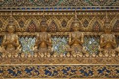Предпосылка стены в виске Бангкока Стоковые Изображения RF