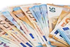 Предпосылка счетов банкнот евро валюты Европейского союза евро 2, 10, 20 и 50 Экономика богачей успеха концепции На белой предпос Стоковое Изображение RF