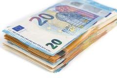 Предпосылка счетов банкнот евро валюты Европейского союза евро 2, 10, 20 и 50 Экономика богачей успеха концепции На белой предпос Стоковые Фотографии RF