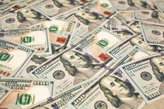 Предпосылка с долларами денег американским новым 100 Стоковые Фотографии RF