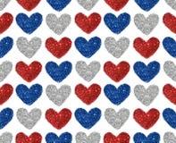 Предпосылка с сердцами красного, голубого и серебряного яркого блеска, безшовной картины Стоковая Фотография RF