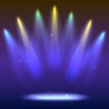 Предпосылка с лучами света от покрашенных фар Яркое освещение с фарами расцветки, репроектор посвечено Стоковые Изображения