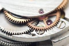 Предпосылка с cogwheels металла clockwork сердце вишни схематическое сделало томаты фото Стоковое Фото