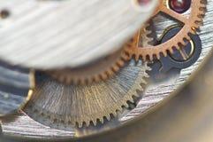 Предпосылка с cogwheels металла clockwork сердце вишни схематическое сделало томаты фото Стоковые Фотографии RF