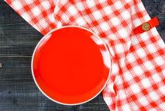 Предпосылка - таблица с красной плитой Стоковое Изображение RF