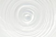 Предпосылка текстуры пульсации белой воды Стоковые Фотографии RF