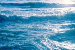 Предпосылка фотографии волны моря внешняя | сильный океан движения Стоковые Изображения