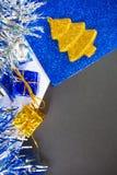 Предпосылка фото макроса рождества или Нового Года Черная бумага с местом и рамкой текста Стоковая Фотография