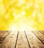 Предпосылка шаблона лета деревенская с космосом деревянного стола и текста Стоковое фото RF