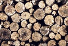 Предпосылка швырка штабелированная в woodpile Стоковые Изображения