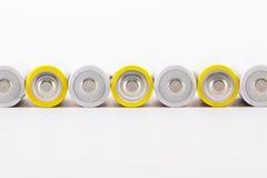 Предпосылка энергии абстрактная белых и желтых батарей Стоковое фото RF