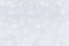 Предпосылка Bokeh мягко пастельная белая с запачканной радугой освещает стоковая фотография rf