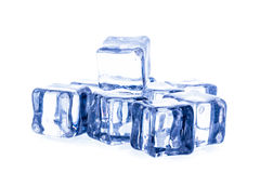 предпосылка cubes белизна изолированная льдом Стоковое Изображение RF
