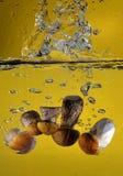 предпосылка 3d представляет брызгает воду белую Стоковое Фото