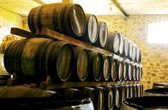 предпосылка 3d barrels модельное белое вино Стоковое Изображение