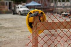 Предпосылка helment безопасности строительной площадки Стоковое фото RF