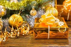 Предпосылка Xmas роскошного золота тематическая Стоковые Фото