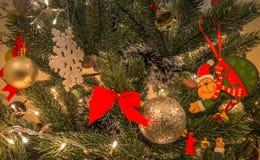 предпосылки голубой рождества темноты вал снежинок ели темно Стоковые Изображения RF