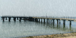 Предпосылки шторма дождя в пасмурной погоде Стоковые Фотографии RF