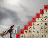 Предприимчивое увеличение бизнесмена подъем к успеху в бизнесе стоковые изображения rf