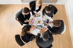 Предприниматели с образцами цвета Стоковые Изображения