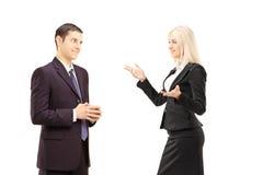 2 предпринимателя имея переговор совместно Стоковое фото RF