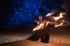 Представление выставки огня стоковые фотографии rf