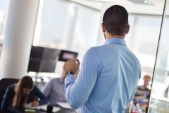 Представление дела на корпоративной встрече Стоковые Фотографии RF