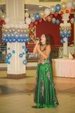 Представление на актрисе этапа и певице русской классической дивы Larisa Lusta кроссовера Стоковая Фотография
