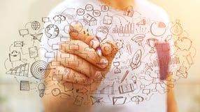 Представление проекта рукописи чертежа бизнесмена с ручкой Стоковые Фото