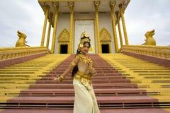 Представление танцора Apsara в виске Стоковое фото RF