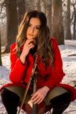Представления девушки с скрипкой Стоковое Изображение RF