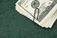 представляет счет paperclip доллара Стоковое фото RF
