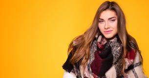 Представлять девушки моды молодой модельный Стоковые Фотографии RF