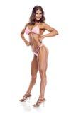 Представлять конкурента фитнеса бикини женщины Стоковые Изображения RF