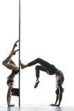Представлять пар танца поляка в студии Стоковая Фотография RF
