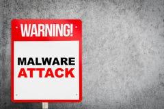 Предупредительный знак улицы на нападении Malware Стоковые Изображения RF