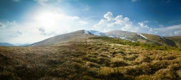 предыдущая весна горы ландшафта Стоковые Изображения