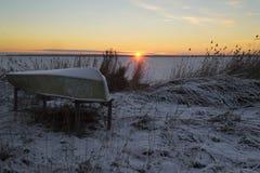 предыдущее лето берега утра озера Стоковые Изображения